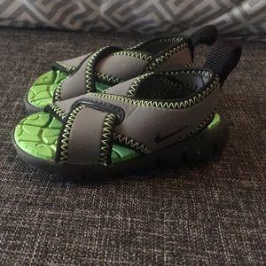 Nike sandals 2c